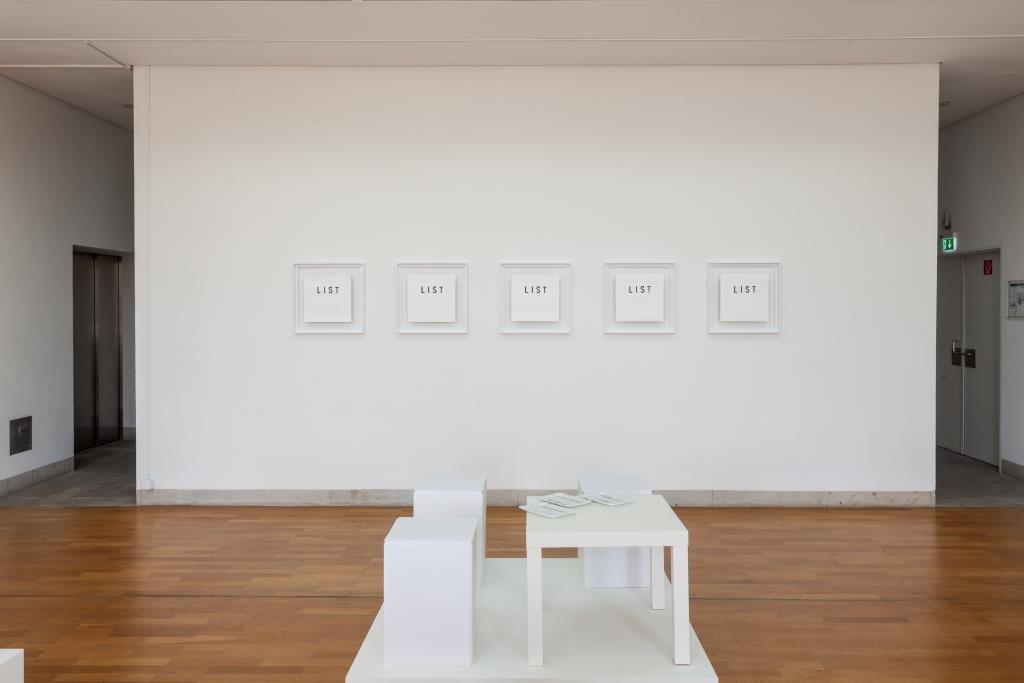 Ausstellungsansicht Karolina Kos: Babylon 2 // Among Friends (2019); Foto: Benjamin Knoblauch